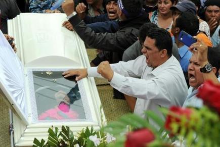 Honduras: les indigènes veulent poursuivre la lutte de la militante écologiste assassinée | Résistances | Scoop.it