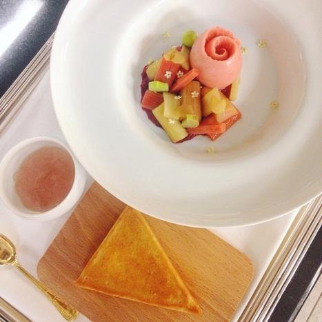 Les desserts trois macarons de Jessica Prealpato au restaurant Alain Ducasse (Plaza Athénée) | Gastronomie Française 2.0 | Scoop.it