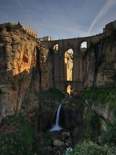 Puente Nuevo – Ronda, Spain   Cane Jason   A-VISTA-DE-PUENTE   Scoop.it