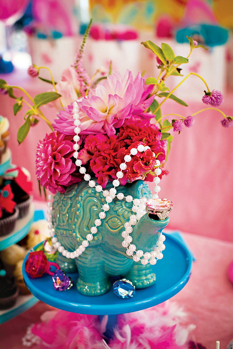 """""""Jewelry Jungle"""" Glam Wild Animals Birthday Party // Hostess with the Mostess® 