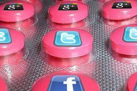 Pharma gets social: Top-10 pharma social media firsts in 2013 | Farmacia Social Media | Scoop.it