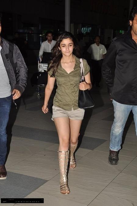 Alia Bhatt All about Casual Wears | BollyWood Gossips | Scoop.it