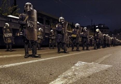Les policiers grecs rejoignent le peuple : A QUAND EN FRANCE, policiers et militaires ? | ACTUALITÉ | Scoop.it