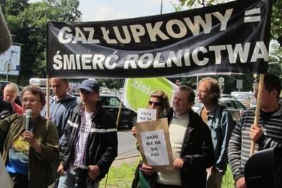 Gaz łupkowy w Polsce? Amerykanie? 'Nasze telefony są na podsłuchu' - GOSPODARKA KOMUNALNA   portalsamorzadowy.pl   Occupy Chevron   Scoop.it