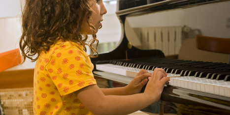Taking Music Lessons As A Child Could Physically Change Your Brain - Huffington Post | Professional Learning Networks-Integrated Arts | Scoop.it