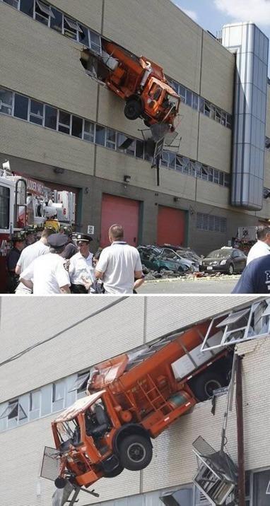 12 Unbelievable Truck Accidents | Strange days indeed... | Scoop.it