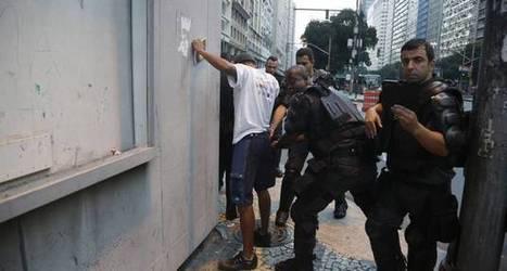 PM detém 15 e usa gás de pimenta em protesto com cerca de 50 manifestantes | Anonimato da polícia | Scoop.it