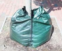Prolonged Watering Systems for your Ornamental Plants: Tree watering bags | harrylincoln | Scoop.it