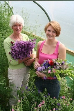Mother and daughter co-operative fight back against imported blooms   #CSR & Sustainable #Retail Bulletin   Scoop.it