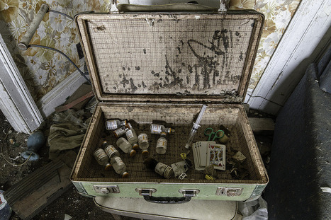 Antique Suitcase Abandoned House | Exploration: Urban, Rural and Industrial | Scoop.it