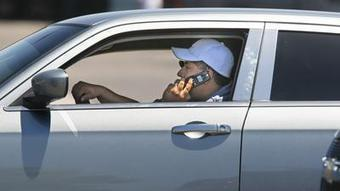 Laws against driving and cellphone use aren't working, study finds | Radio Show Contents | Scoop.it