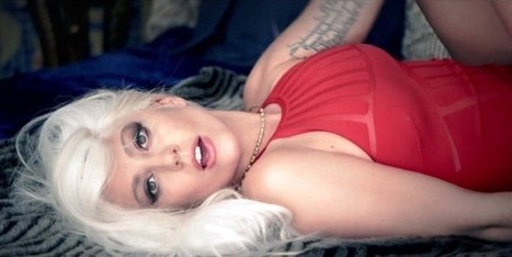 Dai costumi La Perla alla borsa Versace, Lady Gaga è sempre griffata   Moda Donna - sfilate.it   Scoop.it