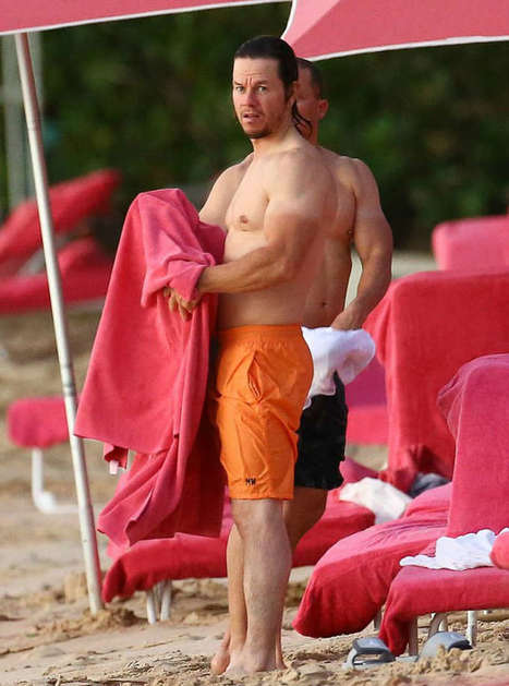 Mark Wahlberg Spotted Shirtless at the Beach in Barbados - Shirtless Hunk Photos | Shirtless Hunk Photos | Scoop.it
