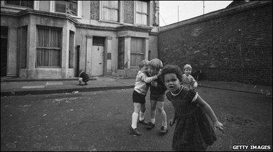 BBC News - How stranger danger changed the way children play   Perceptions of 'stranger danger'   Scoop.it