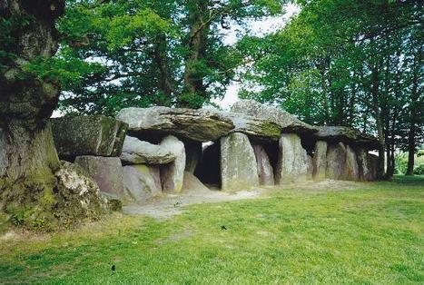Le dolmen de La Roche aux Fées - Région France | Mégalithismes | Scoop.it