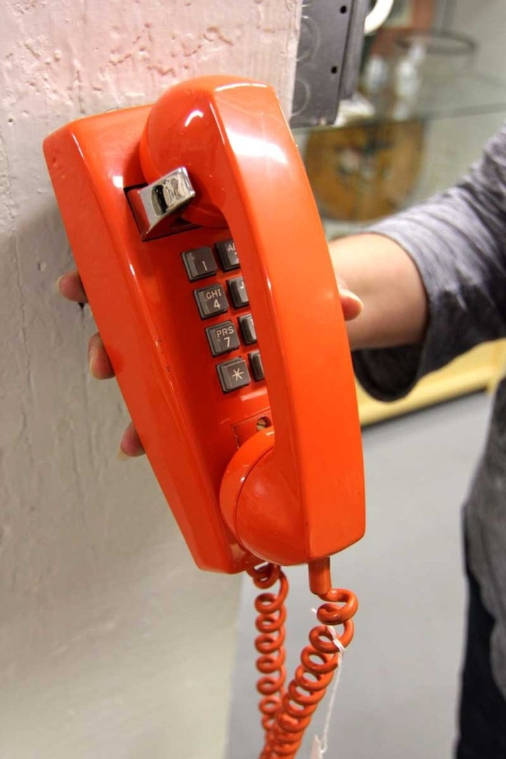 Cool retro mod Bell telephone in orange | Antiques & Vintage Collectibles | Scoop.it