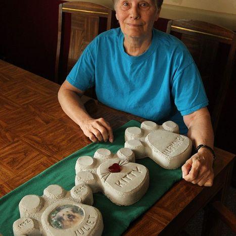 Pet Tales: Tonawanda artist's paw print plaques raise thousands for Pet ... - Buffalo News | Antiques | Scoop.it