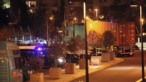 Los bancos abren en Chipre tras trece días de «corralito» | adriantsn | Scoop.it