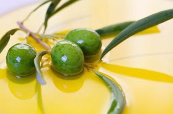 Il mercato dell'olio non conosce la crisi e l'olio extravergine d'oliva cresce nell'ultimo anno di un +6% | Comunikafood - marketing food 2.0 | Scoop.it
