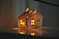 Una casita de papel que se enciende cuando oscurece | Juego y educación | Ultra-lab | Notas para 'Papá quiero un robot' | Scoop.it