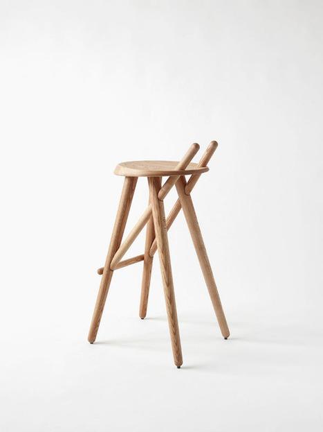 Les tiges de bois du tabouret Set 01 par Matej Chabera s'enchevêtrent grâce à la précision des perçages. | Du mobilier, ou le cahier des tendances détonantes | Scoop.it