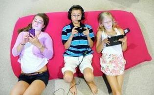 In an age of ubiquitous screens, some exhausted parents have stopped policing - The Boston Globe | Laurinda's curated Kids Interactive Articles | Scoop.it