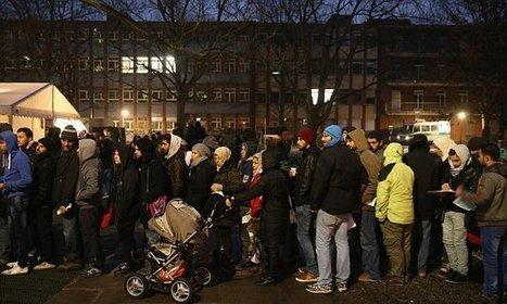 Female refugees seeking asylum... from asylum centres | GGG (German, Germans & Germany) | Scoop.it