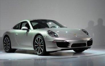 Des Porsche neuves vendues moitié prix sur un site internet suisse   Mais n'importe quoi !   Scoop.it