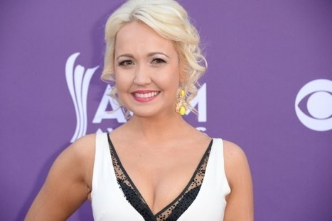 Meghan Linsey Comes in Second Place on 'The Voice' | Country Music Today | Scoop.it