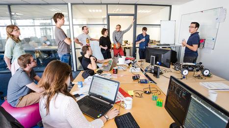 Sans bureaux ou sans boss, 4 sociétés qui font bouger les lignes | Travailler autrement au 21 ème siècle | Scoop.it