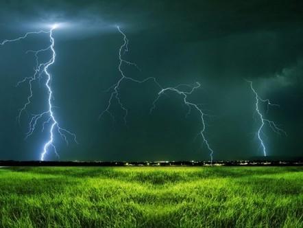 Free Desktop Thunder Wallpaper Lightning | | longwallpapers | Scoop.it
