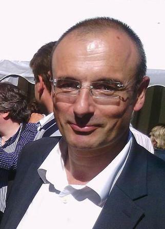Saint-Cyr-l'École : Etienne Erasimus (DVD) se lance dans la course à la mairie   Reucyr, liste candidate Centre-Droite républicaine aux élections municipales 2014 de Saint-Cyr-L'Ecole (Yvelines)   Scoop.it