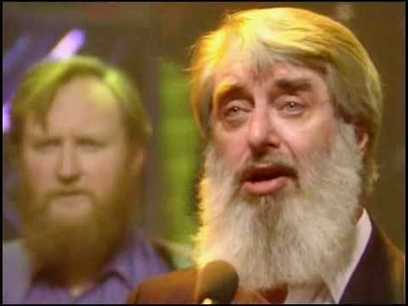 The Dubliners ft. The Pogues - The Irish Rover (Live, TOTP 1987) - YouTube | Winning The Internet | Scoop.it