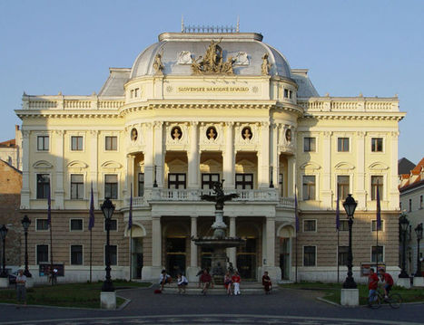 Image:Slovak National Theater - Bratislava.jpg - Wikitravel | taxikoviny | Scoop.it