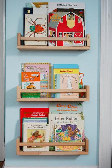 Utiliser des étagères à épices de chez Ikea en tant que bibliothèque pour enfant | Madame Dentelle | Les Enfants et la Lecture | Scoop.it