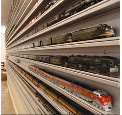 Buy Display Train Cases For HO Scale | Best Wall Mounted Glass Display Cases | Scoop.it