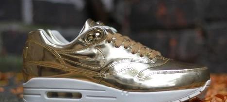 Le site de la Sneaker - Toute l'actu sneakers au quotidien.   Nike vous présente : Nike WMNS Air Max 1 Liquid Gold   Scoop.it