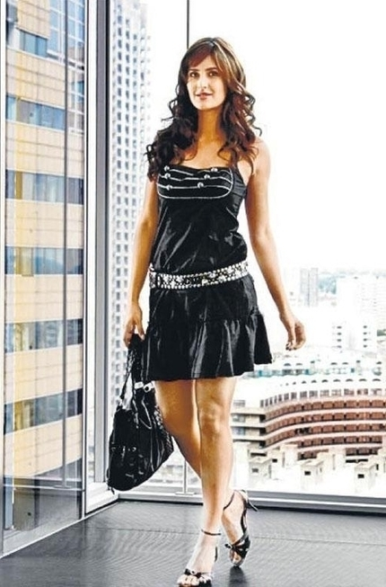 Katrina Kaif in Mini, Shorts and Western Dresses, Real life Pictures   BollywoodPanda.in   Bollywood News And Gossip   Scoop.it