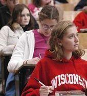Öğrenciler derste bile telefonlarından kopamıyor | sıddık | Scoop.it