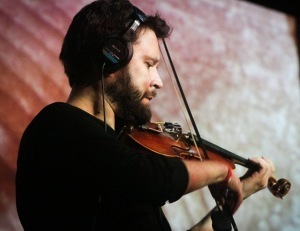One Man, One Violin, Infinite Directions: Cornelius Dufallo's 'Journaling' | Difficult to label | Scoop.it