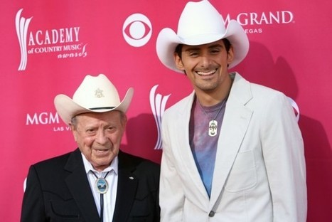 Brad Paisley Remembers His 'Hero,' Little Jimmy Dickens   Country Music Today   Scoop.it