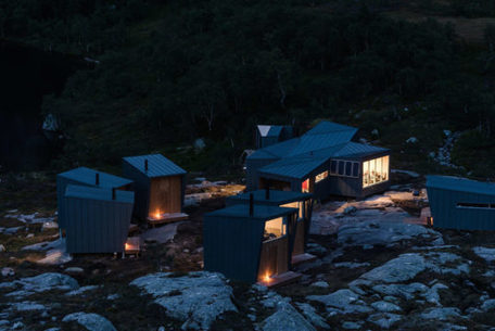 Rugged Eco-Friendly Cabins Offer Off-Grid Lodging in Norway's Wilderness | Living On Mother Earth: Permaculture, Organic Gardening & Farming, Homesteading, Tools & Implements | Scoop.it