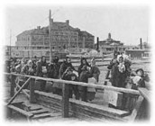 Selected Images of Ellis Island and Immigration, ca. 1880-1920 (Prints and Photographs Reading Room, Library of Congress) | US IMMIGRATION | Scoop.it
