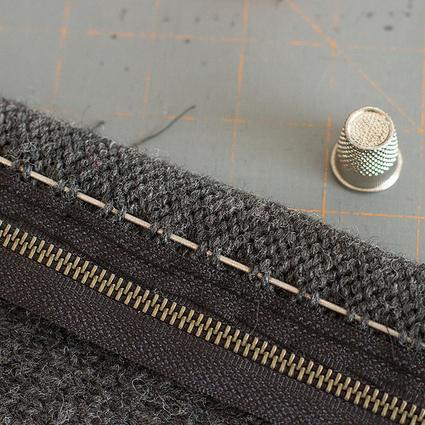 Splityarn » Blog Archive » easiest knitted sweater zipper install ever | fibre life | Scoop.it