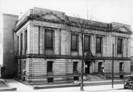 Bibliothèque Saint-Sulpice (devenue Bibliothèque nationale du Québec- 1700, rue Saint-Denis) 8 avril 1936   Photos ancestrales de Montréal   Scoop.it