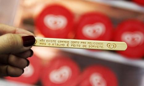 Miko grave des phrases sur les bâtonnets de ses glaces pour faire sourire les clients | streetmarketing | Scoop.it