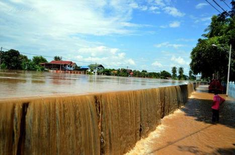 Floods hit Sukhothai as Yom overflows - The Nation | Thailand Floods (#ThaiFloodEng) | Scoop.it