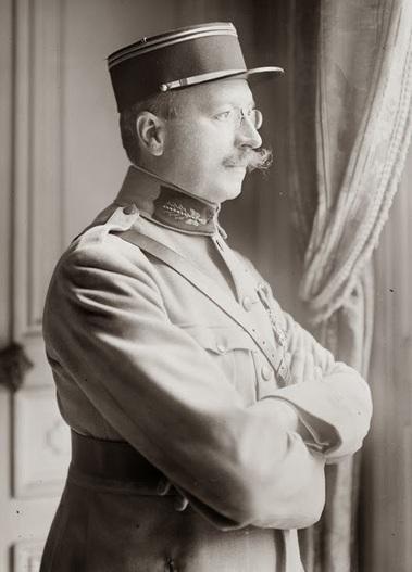 En 1918, en pleine guerre des tranchées, un député de gauche voulait détaxer le luxe | Brèves de scoop | Scoop.it