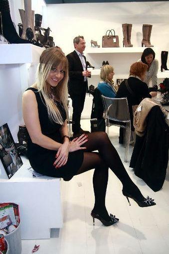 Battere la Crisi ed esportare Noi in Cina - 100%MadeinItaly e il Micam Shanghai 2013 per gli artigiani marchigiani della calzatura | Le Marche un'altra Italia | Scoop.it