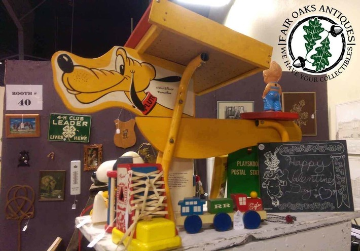 Adorable Vintage Disney Children's Pluto Desk | Antiques & Vintage Collectibles | Scoop.it